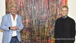 """Unter dem Motto """"Back in Town"""" bat Kunststar Alexander Höller zum Ateliergespräch nach München. Der 24-jährige Maler berichtete von seiner Deutschland-Tour und gab erste Einblicke in zukünftige Kunstkonzepte. (Foto: BrauerPhotos/G.Nitschke)"""