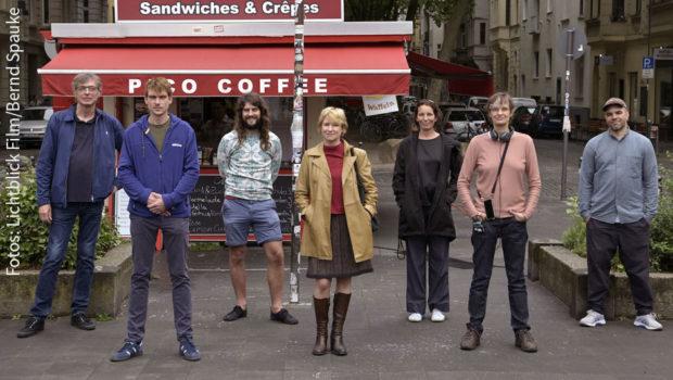 """""""Alles in bester Ordnung"""" beim Team um Natja Brunckhorst. Ihr gleichnamiges Regie-Debüt, das von der Kölner Lichtblick Film produziert wird, ist jetzt im Kasten. (Fotos: Lichtblick Film/Bernd Spauke)"""