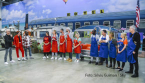 """Die neue Kochshow """"MasterChef Celebrity"""" geht am Montag auf Sky One in die zweite Runde. Als Kandidat ist wieder Entertainer Thomas Hermanns dabei. Bei ihm kommen diesmal unschöne Erinnerungen an seine Schulzeit hoch. (Foto: Silviu Guiman/Sky)"""