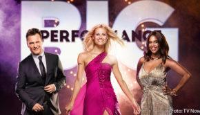 """Bei """"Big Performance – Wer ist der Star im Star?"""" schlüpfen Prominente optisch und musikalisch in die Rollen anderer Prominenter. Guido Maria Kretschmer, Michelle Hunziker und Motsi Mabuse müssen in der neuen RTL-Samstagabendshow die Auftritte der verkleideten Sänger bewerten. (Foto: TV Now)"""