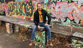 """In """"Das Berlin Projekt"""" begleitet Tim Niedernolte über einen Zeitraum von zwei Jahren sieben Obdachlose in der Hauptstadt. Die Teilnehmerinnen und Teilnehmer erhalten ein Budget von 10.000 Euro, über das sie frei verfügen können. Doch das ist nicht das Entscheidende. (Foto: RTLzwei)"""
