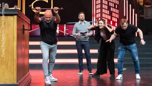 """ProSieben strahlt heute die dritte Ausgabe von """"Die! Herz! Schlag! Show!"""" aus. Moderator Steven Gätjen begrüßt dazu u.a. Frank Rosin, Jasmin Wagner und Martin Klempnow als Prominenten-Team. (Foto: ProSieben/Jens Hartmann)"""
