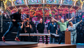 """Herz ist Trumpf! In der neuen Spielshow von ProSieben, die noch vor der Corona-Krise vor Publikum aufgezeichnet wurde, spielt der Pulsschlag der Kandidaten eine maßgebliche Rolle. """"Die Herz! Schlag! Show!"""" startet am 13. Juli. (Foto: ProSieben/Jens Hartmann)"""