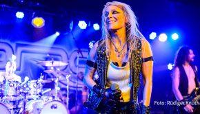 """Sängerin Doro Pesch ist am Samstag zu Gast in der Rockshow """"Rodeo Radio"""" bei Radio BOB! Im Interview erzählt sie u.a., warum sie ihrer Wahlheimat New York den Rücken gekehrt hat und derzeit wieder in Düsseldorf lebt. (Foto: R. Knuth)"""