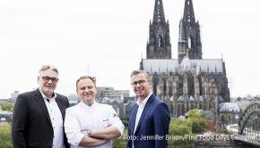 Der Verein Fine Food Days Cologne mit dem Vorstandstrio Michael Stern, Maximilian Lorenz und Dominic Kuck bringt das gleichnamige Gourmet-Festival 2021 zurück in die Domstadt. Für die Veranstaltungen vom 10. bis 25. April läuft bereits der Vorverkauf. (Foto: Jennifer Braun/Fine Food Days Cologne)
