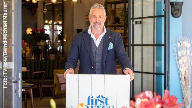 """Die sechste und vorerst letzte Ausgabe von """"First Dates Hotel"""" mit Roland Trettl läuft heute Abend bei Vox. In der kommenden Programmsaison kehrt die Dating-Doku mit neuen Folgen zurück. (Foto: TV Now/Bernd-Michael Maurer)"""