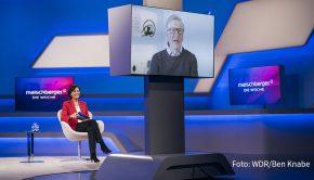 """Am morgigen Mittwoch gibt's bei """"Maischberger. Die Woche"""" ein exklusives Interview mit Bill Gates. Es geht um Corona, sein neues Buch und Privates. So findet es der Software-Pionier aus heutiger Sicht erstaunlich, dass er einst gezögert habe, seine Frau Melinda zu heiraten. (Foto: WDR/Ben Knabe)"""