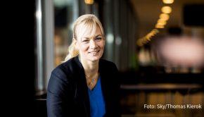 """Fußball-Schiedsrichterin Bibiana Steinhaus steht im Mittelpunkt einer neuen Folge der Doku-Reihe """"Her Story"""" bei Sky. Der Pay-TV-Anbieter strahlt die Episode erstmals am 8. März im Rahmen einer Sonderprogrammierung zum Weltfrauentag aus. (Foto: Sky/Thomas Kierok)"""