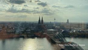 Freie Sicht nach vorn: In Köln trafen sich die Kick-Media-Vorstände Alexander Elbertzhagen und Petra Mauß mit dem Team von Position Public Relation zu einer zukunftsorientierten Positionsbestimmung. (Foto: Kick-Media / I. Haase)