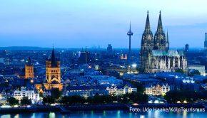 """Morgen diskutieren Vertreter der Tourismus- und Gastronomiebranche auf Clubhouse über das kulinarische Köln. Mit dabei ist u.a. Julia Komp, die mit 27 Jahren Deutschlands jüngste Sterneköchin war. Im April sollen in der Domstadt die """"Fine Food Days Cologne"""" stattfinden. (Foto: Udo Haake/KölnTourismus)"""