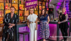 """ZDFneo zeigt am heutigen 26. November eine weitere Ausgabe von Laura Karaseks Talkshow """"Zart am Limit"""". Die Moderatorin widmet sich mit ihren Gästen Daniel Donskoy, Paula Lambert und Jazzy Gabert dem Thema Sexismus. (Foto: ZDF/Steffen Matthes)"""