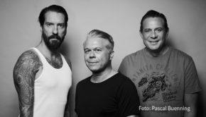 """Am morgigen Samstag begrüßen Alec Völkel und Sascha Vollmer alias The BossHoss in ihrer Rockshow """"Rodeo Radio"""" bei RADIO BOB! den Musikjournalisten Markus Kavka, der mit ihnen über sein Leben, seine Karriere und natürlich das Musikbusiness spricht. (Foto: Pascal Buenning)"""