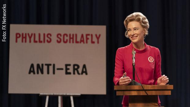 """Die Nominierungen für die 72. Verleihung der Emmy Awards sind jetzt bekannt. Zu den großen Favoriten bei den Miniserien zählt """"Mrs. America"""" mit Cate Blanchett, die ab September in Deutschland auf Fox zu sehen sein wird. (Foto: FX Networks)"""