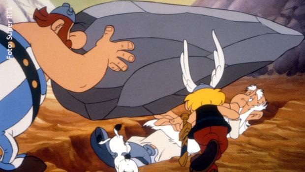 """Der Anlass ist traurig: Der Comic-Pionier Albert Uderzo ist im Alter von 92 Jahren gestorben. Super RTL stellt sein Abendprogramm um und zeigt heute ab 20:15 Uhr die Zeichentrickfilme """"Asterix – Operation Hinkelstein"""" und """"Asterix und die Wikinger"""". (Foto: Super RTL)"""