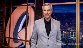 """Noch in diesem Monat beginnen für """"Quatsch Comedy Club""""-Erfinder Thomas Hermanns und zahlreiche weitere Moderatoren und Gäste die Dreharbeiten zu neuen Folgen. Die mittlerweile vierte Staffel des """"QCC"""" auf Sky soll im Frühjahr ausgestrahlt werden. (Foto: Sky/Thomas Kierok)"""