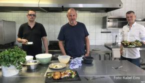 """Zum vierten und vorerst letzten Mal heißt es morgen Abend """"Rosins Restaurants – Jetzt erst recht!"""" auf Kabel Eins. Zwei-Sterne-Koch Frank Rosin greift diesmal dem Team der """"Kutzeburger Mühle"""" in Cottbus unter die Arme. (Foto: Kabel Eins)"""