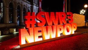 25 Mal ist das SWR3 New Pop Festival bereits in Baden-Baden über die Bühnen gegangen, in diesem September muss es allerdings aufgrund der Corona-Pandemie ausfallen. Heute gaben die Veranstalter den Termin für die nächste Ausgabe im Jahr 2021 bekannt. (Foto: obs/SWR)
