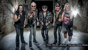 """Noch in diesem Jahr soll ein neues Album der Scorpions erscheinen. In """"Rodeo Radio – The BossHoss Rockshow"""" auf Radio BOB! berichtet Klaus Meine am Samstag ausführlich über den Stand der Dinge bei Deutschlands dienstältester und erfolgreichster Hard Rock-Band. (Foto: Moritz """"Mumpi"""" Künster/Sony Music)"""