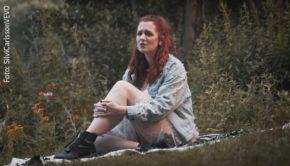 """Die Youtuberin und Musikerin Silvi Carlsson hat in der vergangenen Woche ihre dritte Single """"Perseiden"""" veröffentlicht. Seit gestern Abend steht auch das offizielle Musikvideo dazu online.(Foto: SilviCarlsson/VEVO)"""