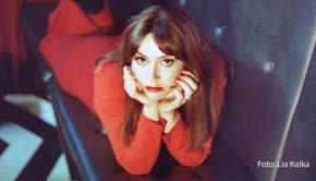 Die 35. Ausgabe des niederländischen Musik-Branchentreffs Eurosonic Noorderslag findet ab heute ausschließlich online statt. Im umfangreichen Showcase-Programm treten auch deutsche Acts wie die Berliner Singer-Songwriterin Sofia Portanet auf. (Foto: Lia Kalka)