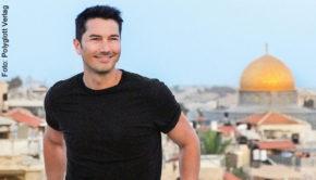 """ProSieben-Moderator Stefan Gödde liebt Jerusalem. In seinem Buch """"Nice to Meet You, Jerusalem"""" präsentiert er die faszinierende Stadt. (Foto: Polyglott Verlag"""
