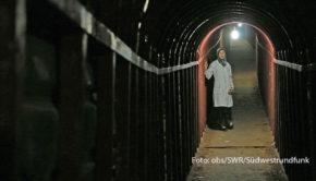 """Mit Unterstützung von National Geographic und dem SWR entstand der Dokumentarfilm """"Eine Klinik im Untergrund – The Cave"""", der in dieser Woche mit einem Emmy ausgezeichnet wurde. Am heutigen 17. September ist er noch einmal im SWR Fernsehen zu sehen. (Foto: obs/SWR/Südwestrundfunk)"""