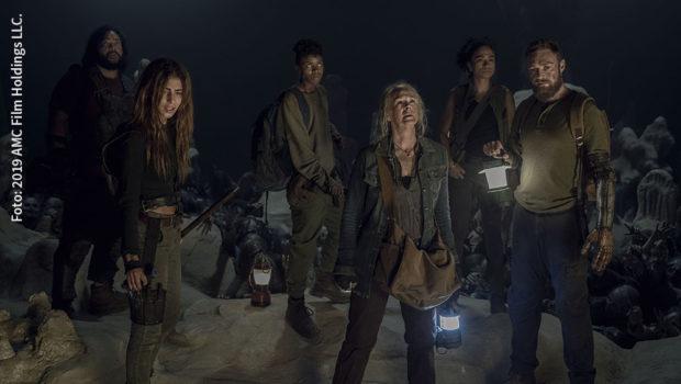 """Noch nie war die Gefahr durch die """"Flüsterer"""" für Daryl Dixon (gespielt von Norman Reedus) und seine Mitstreiter so groß wie in Staffel 10B von """"The Walking Dead"""". Ab heute strahlt der Seriensender FOX die neuen Folgen immer montags um 21:00 Uhr aus. (Foto: 2019 AMC Film Holdings LLC.)"""