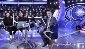 """Eine Sonderausgabe von """"Wer wird Millionär?"""" steht am heutigen 12. Oktober bei RTL auf dem Programm. Unter dem Motto """"Die Mannschaft spielt"""" treten DFB-Direktor Oliver Bierhoff und fünf aktuelle Fußball-Nationalspieler zum Quiz an. (Foto: TV Now/Frank Hempel)"""