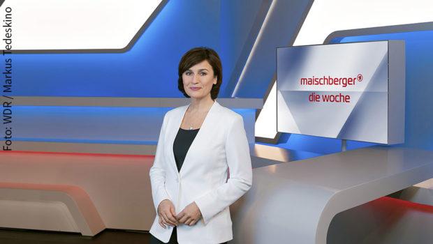 """Heute endet für Sandra Maischberger die Sommerpause. Mit ihrer Talkshow """"Maischberger. Die Woche"""" kehrt sie heute Abend um 22:45 Uhr ins Erste zurück. Zu Gast sind u.a. Karl Lauterbach, Boris Palmer und Günter Wallraff. (Foto: WDR/Markus Tedeskino)"""